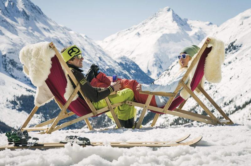 Liegestuhl am Berg