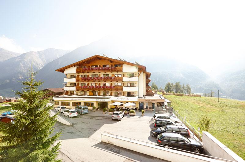 Alpengasthof Gruener Aussenansicht